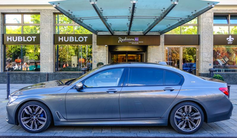 BMW M760Li xDrive V12 full